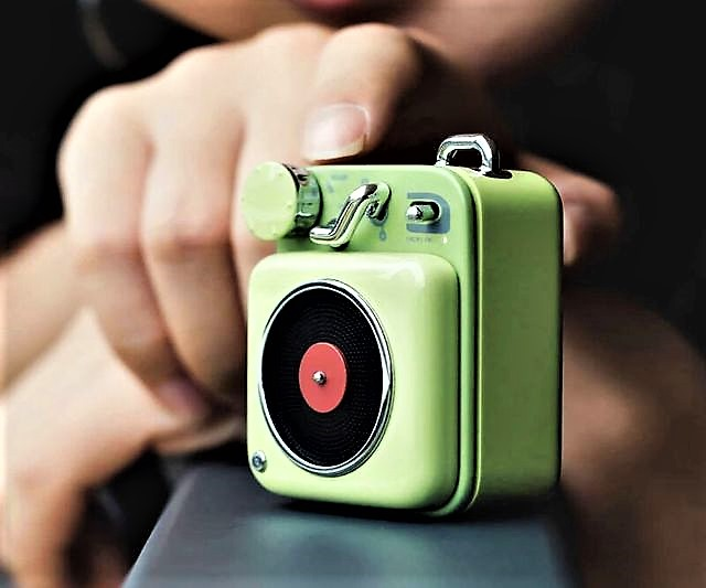 Pocket Bluetooth Smart Record Player